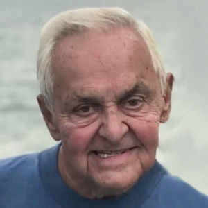 Kenneth  L. Oleksiak  Obituary Photo