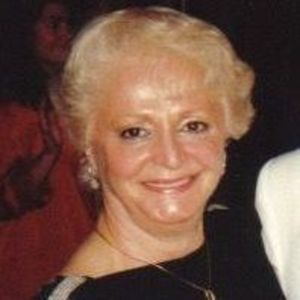"Loretta ""Laura"" Rita Giglia Obituary Photo"