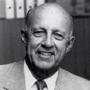 Dr. Wayne H. Holtzman Obituary Photo