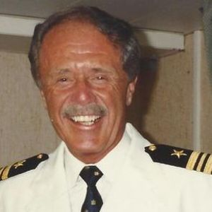Captain W. Donald Jeffrey Obituary Photo