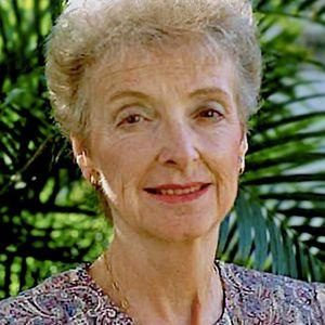 Lois Earnshaw Obituary Photo