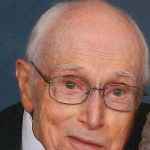 Roger  Stewart