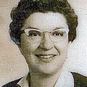 Pearle R. Schaperow Obituary Photo