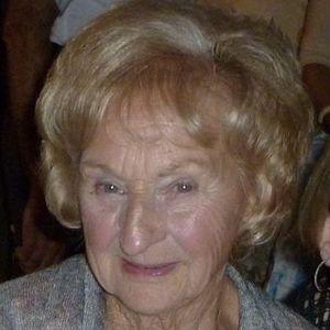 """Mrs. Madeline E. """"Honey"""" Saunders Obituary Photo"""