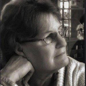 Mrs. Juanette Dwyer Obituary Photo