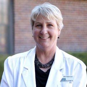 Dr. Leslie Denise Lesicka Paternoster