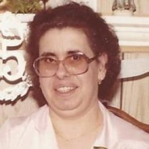 Zelia M. (Medeiros) Tavares Obituary Photo