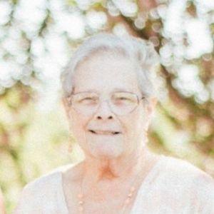 "Regina ""Jeannie"" McLarnon Obituary Photo"