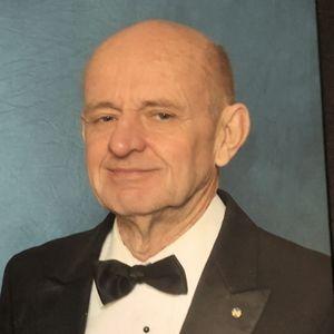 Thomas N. Howard Obituary Photo