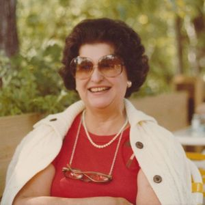 "Emily F. ""Lee"" Sweeney Obituary Photo"