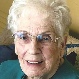Lillian Mae Ashton Obituary Photo
