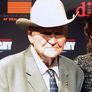 Jim Leavelle Obituary Photo