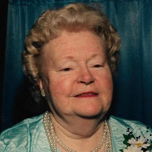Ruth V. Russell Obituary Photo