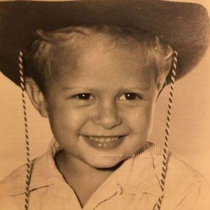Thomas  Dennis Obituary Photo