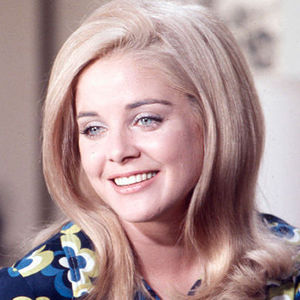 Sue Lyon Obituary Photo