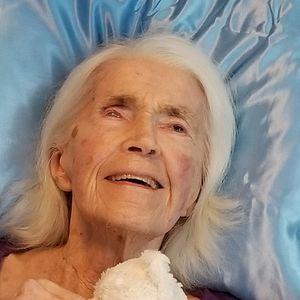 Betty (Goodhue) Woodward Obituary Photo