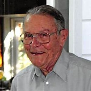 Raymond Davis Hamill, Jr. Obituary Photo