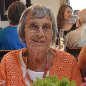 Betty Holly Obituary Photo