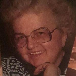 Helen J. Dennis (Daniszewska) Obituary Photo