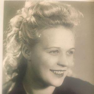 Helga Trohan