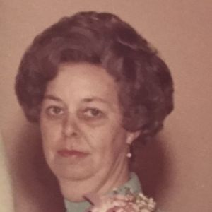 Lorraine Chisholm Obituary Photo
