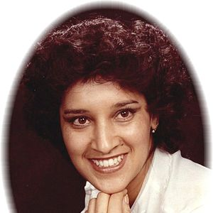 Luz  Maria Pereda Obituary Photo