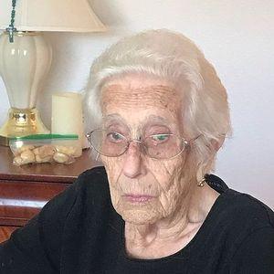 Deolinda Agusto Bettencourt Obituary Photo
