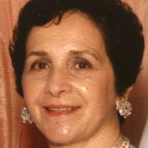 "Antoinette ""Nanette"" Cioschi Obituary Photo"