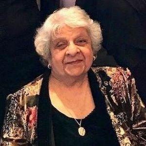 "Roshan ""Roshie"" Kapadia Obituary Photo"