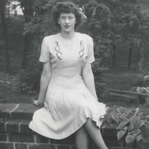 Helen E. Glaze Obituary Photo