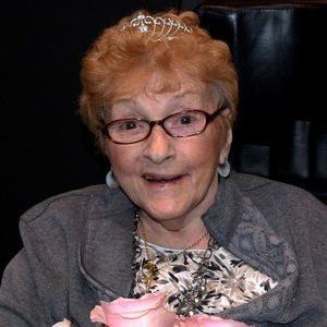Joan (nee McFadden) Callaghan Obituary Photo