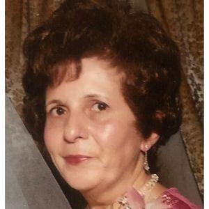 Mrs. Antoinette L. (Andrea) Nixon Obituary Photo