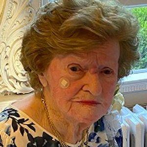 "Mrs. Anna E. (McCarron) ""Bette"" Hill Obituary Photo"