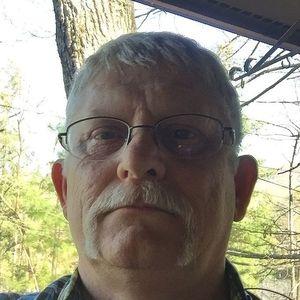 Mr. Dewey Raymond Davis Obituary Photo