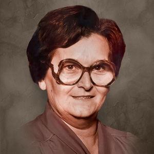 Betty  Carpenter Salinas