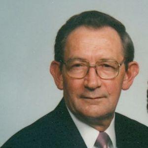 Richard B Lucas