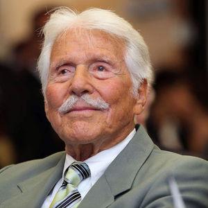 Efrem Zimbalist, Jr. Obituary Photo