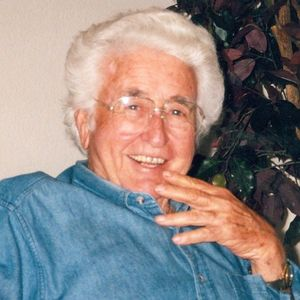 Kenneth D. Holland Obituary Photo