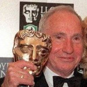 Sir Nigel Hawthorne Obituary Photo