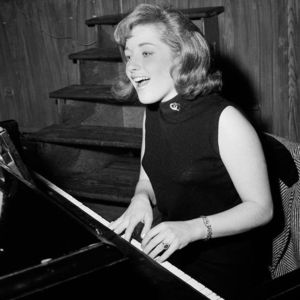 Lesley Gore Obituary Photo