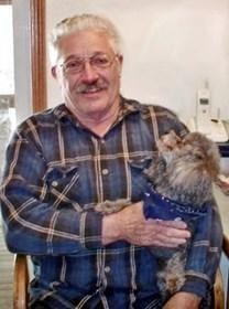 Robert E. Miles obituary photo