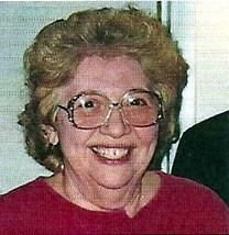 Helen Geanakis Porterfield obituary photo