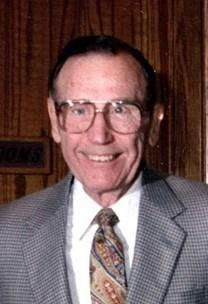 Dale F. Thompson obituary photo