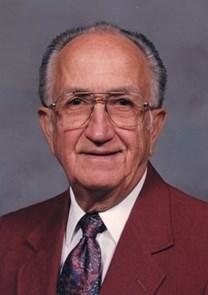 Wallace Schwahn obituary photo