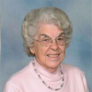 Marjorie Fern Schutz (Henshaw) Obituary Photo