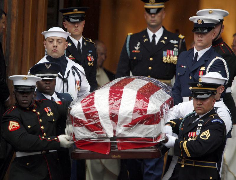 Senator Edward Kenedy Casket: Obituary Photos Honoring Sen. Edward M. Kennedy