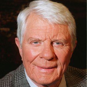 Peter Graves Obituary Photo
