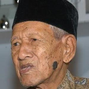 Gesang Martohartono Obituary Photo
