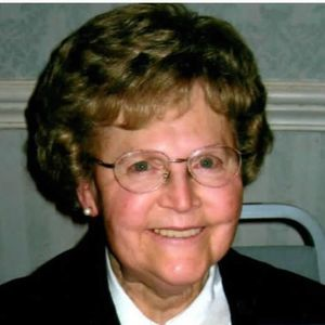 "Muriel ""Mae"" LaRoy Obituary Photo"