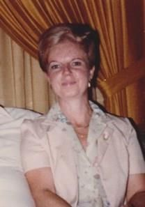 Yvonne T. Reinhardt obituary photo